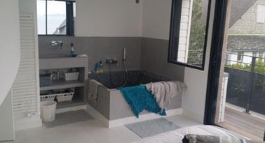 Peinture et décoration d'une salle de bain