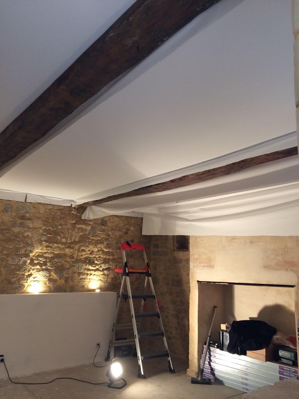 Pose d un plafond tendu cool pose d un plafond tendu with pose d un plafond tendu latest pose - Pose toile tendue plafond ...